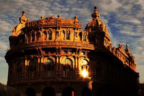 italy sun italia tramonto nuvole genoa genova fabrizio cielo sin sole palazzo borsa architettura citta sera superbe peccato superba