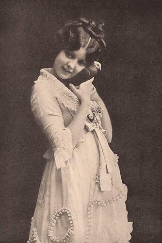 Lila Lee
