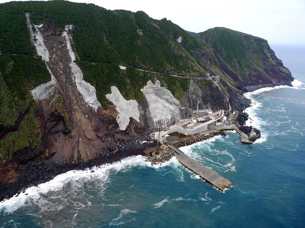 Meridianos: La isla de Aogashima (青ヶ島村) el pueblo más pequeño de Japón