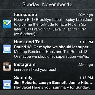 Just realized that the iOS notification center is a cross-network activity stream - 無料写真検索fotoq