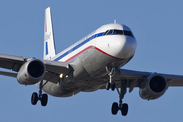 "United Airlines ""Stars and Bars"" Airbus A320-232 (N475UA)"