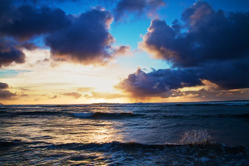 обои Тихий. обои волны. обои гаваи. обои закат. обои океан. обои на тему. обои всплеск. обои по цвету. обои облака.