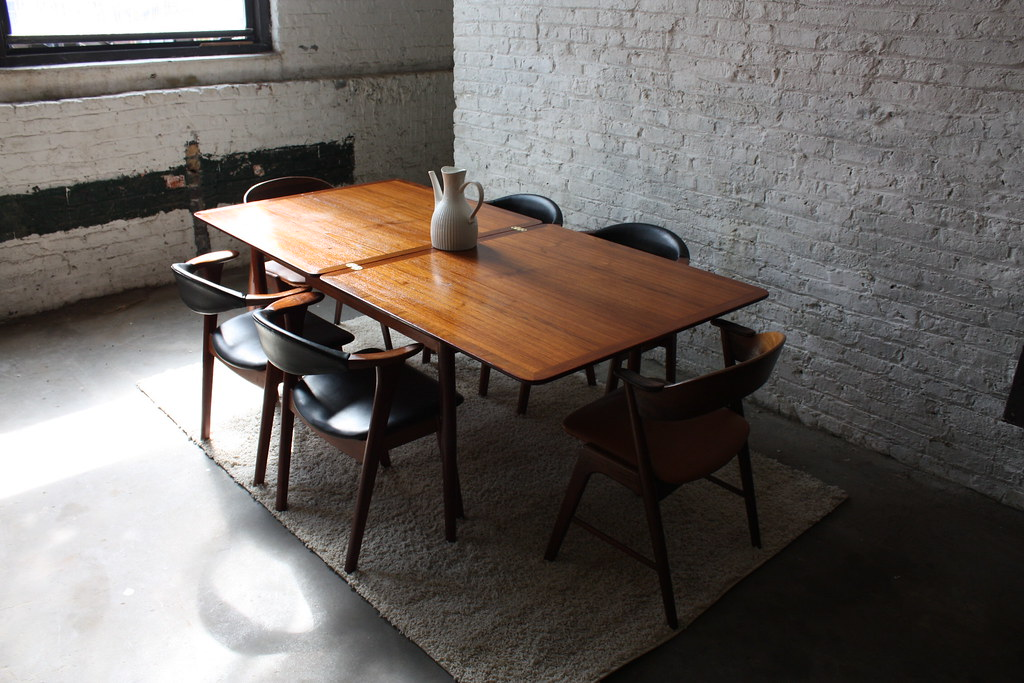Smart Danish Modern Solid Teak Expandable MCM Dining Table