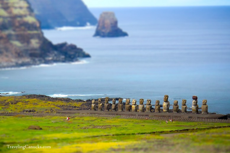 Easter-Island-Miniature