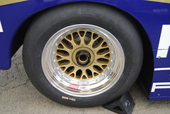 Starboard (right) rear tire 956/962