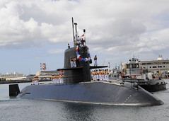PEARL HARBOR (Oct 31, 2011) JS Mochishio (SS 600) arrives at Joint Base Pearl Harbor-Hickam. (U.S. Navy photo by Mass Communication Specialist 2nd Class (SW/AW/SCW) Ronald Gutridge ).