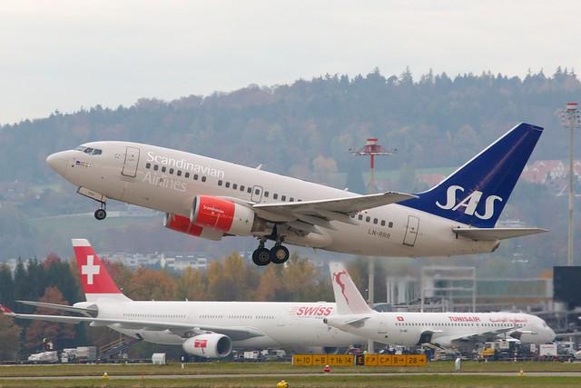 SAS Boeing 737-600 LN-RRR