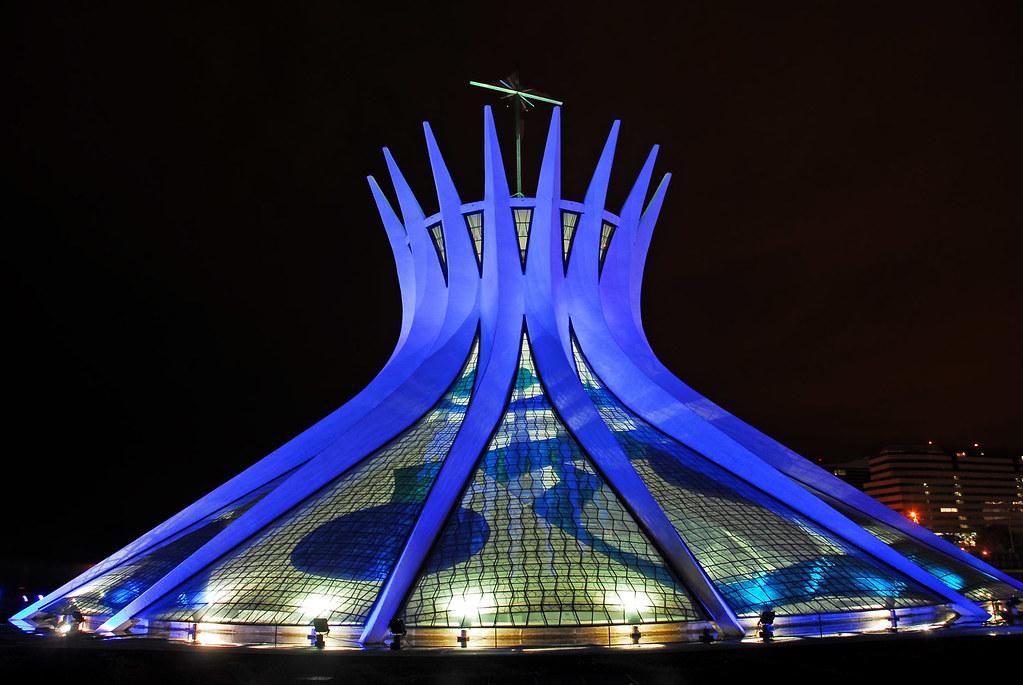 Resultado de imagem para novembro azul catedral de brasilia