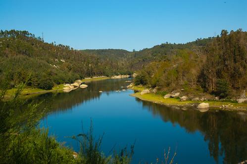 santa lake portugal nature water rio river rocks dam natureza paisagem barragem dao scd waterscape comba dão aguieira