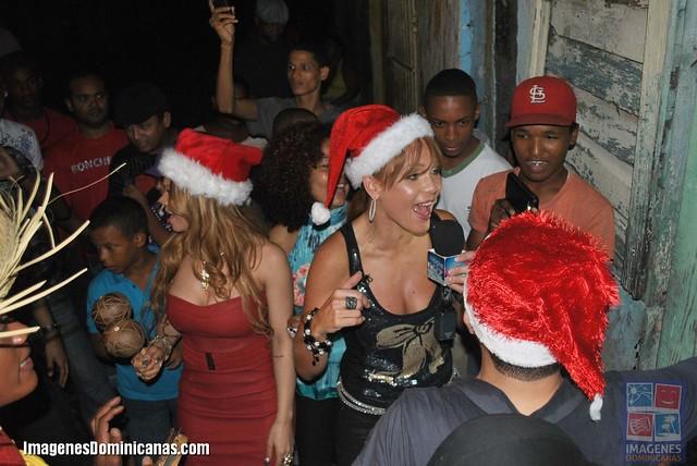 Bonche Luz con aguinaldos navideños