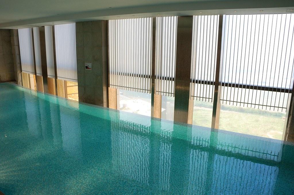 Photo:Indoor swimming pool on 29th floor By:myhsu