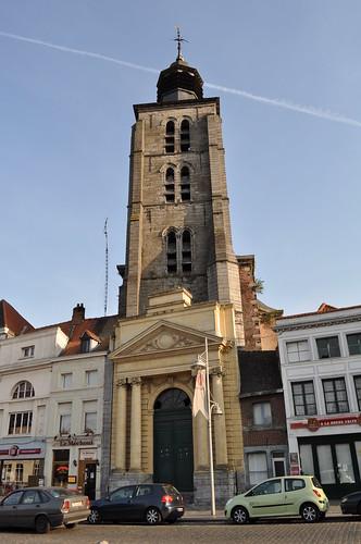 2011.09.25.250 TOURNAI - Place de Lille - Église Sainte Marguerite