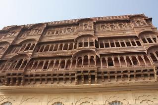 תמונה של City Wall. city india fort walls 2008 fortress rajasthan jodhpur mehrangarh bluecity marwar mehrangarhfort thardesert raojodha मेहरानगढ़काकिला