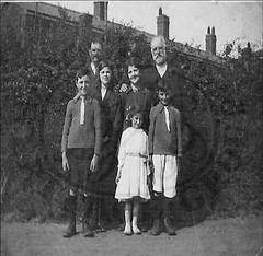 Herbert & Rose Barnes & Family - Burntstalks 1923