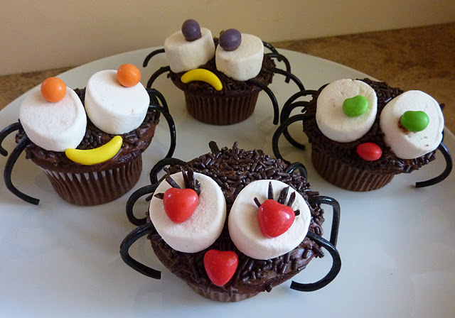 Cute And Easy Spider Marshmallow Halloween Cupcakes