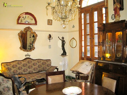 1932 salon full of collectibles - casa particular - havana centro cuba