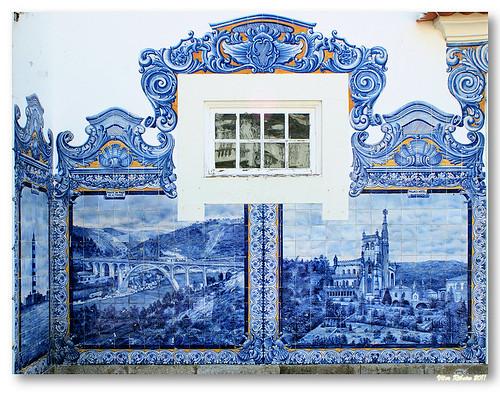 Painel de azulejos na Estação de Aveiro by VRfoto