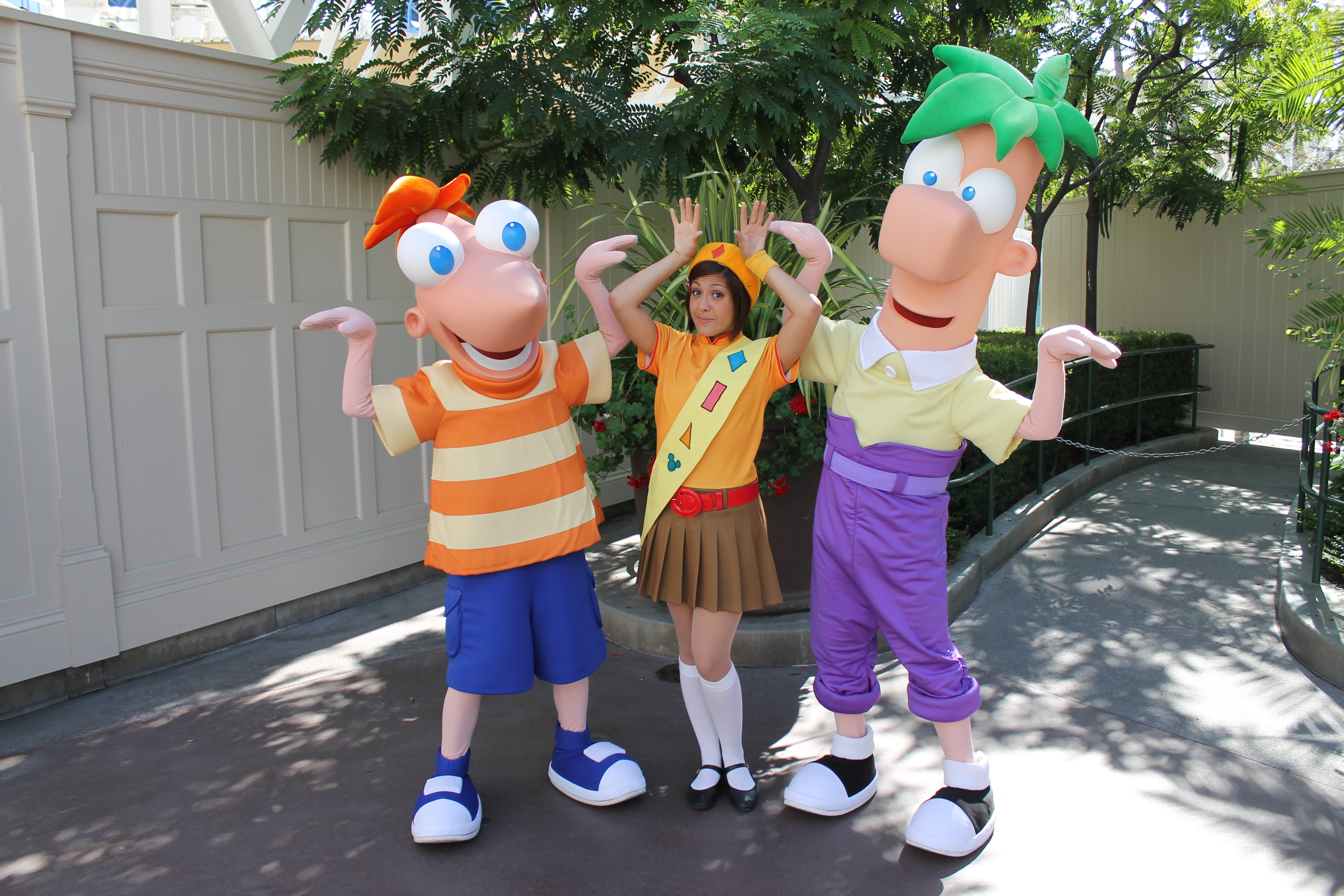 meet phineas and ferb at disneyland