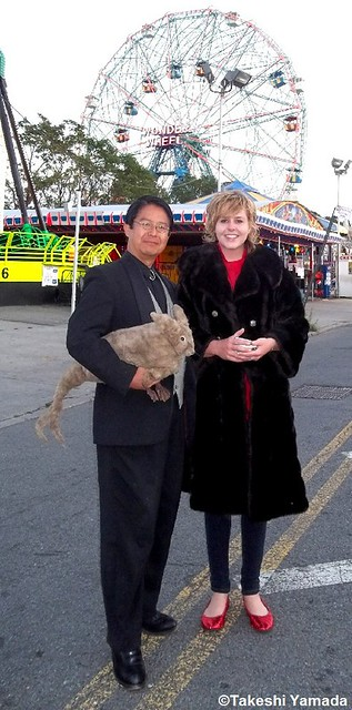 Seara (sea rabbit), Dr. Takeshi Yamada and mermaid at the amusement park district in Coney Island, Brooklyn, New York. (September 18, 2011)  20110918 100_2943