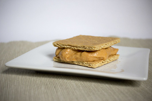 Pumpkin icecream sammie