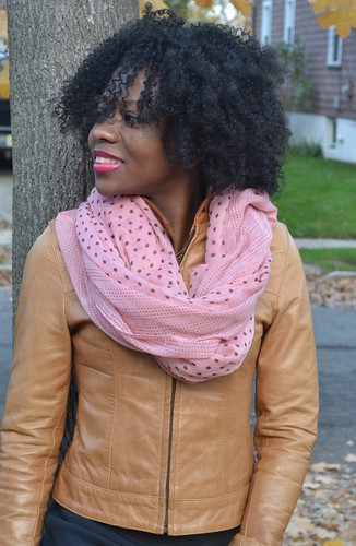 how to wear a scarf for fall, looking fly on a dime
