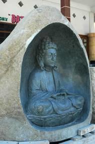 Batu Kali Patung Budha by ezavolturi