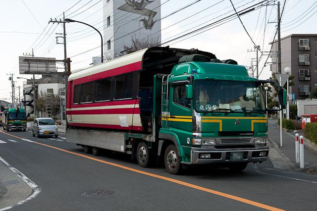 小田急 ロマンスカーLSE 7000形 7001F 先頭車解体搬出