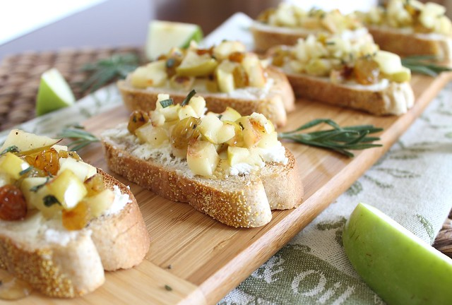 Apple and goat cheese crostini with rosemary