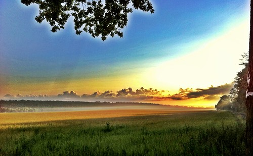 sunrise dawn hiking fields villerslaville iphoneography