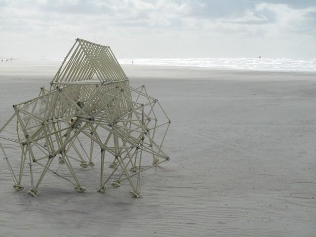 Strandbeest von Theo Jansen - longus fuut 3 klein