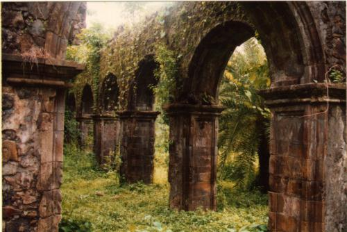 Vasai-fort-ruins