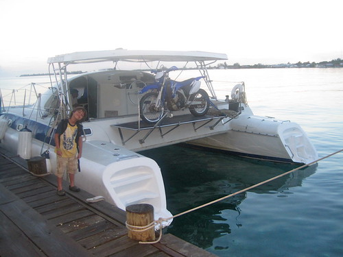 kid friendly catamaran tour utila honduras