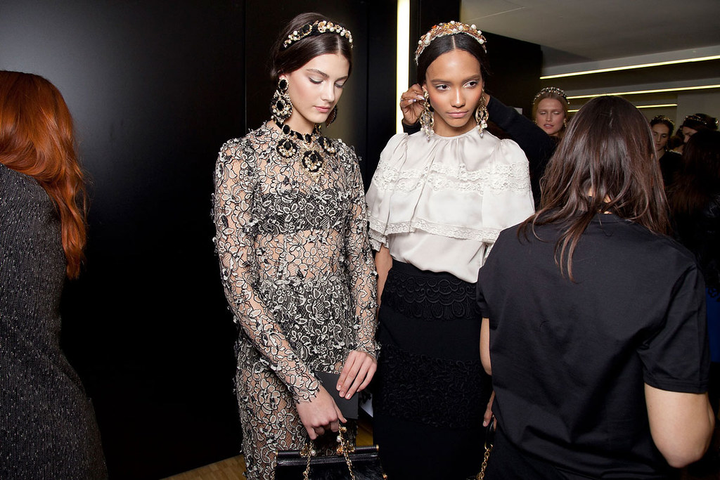 Dolce+Gabbana+Fall+2012+Backstage+MxeTH81wcXWx