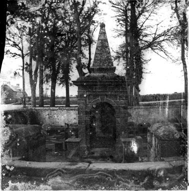 Fontaine de Saint-Cornély, Carnac