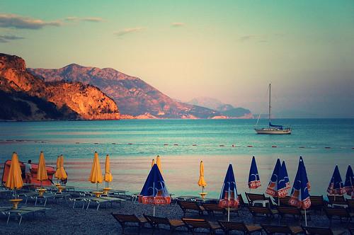 sunset beach jaz gora montenegro crna