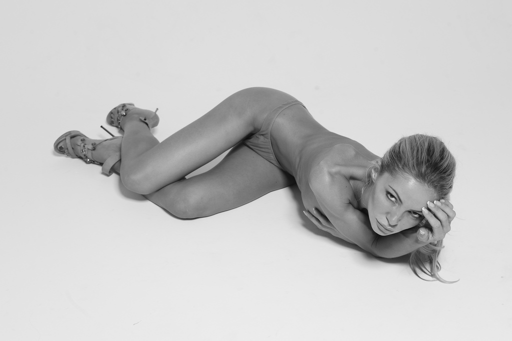 Beautiful nude girl Gia Skova