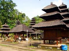 village(0.0), building(0.0), tourism(0.0), restaurant(0.0), place of worship(0.0), wat(0.0), thatching(1.0), hut(1.0), resort(1.0), shrine(1.0),