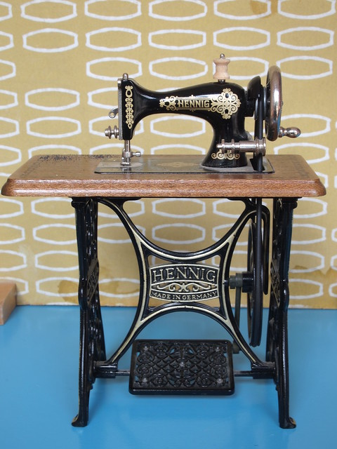 bodo hennig sewing machine flickr photo sharing. Black Bedroom Furniture Sets. Home Design Ideas