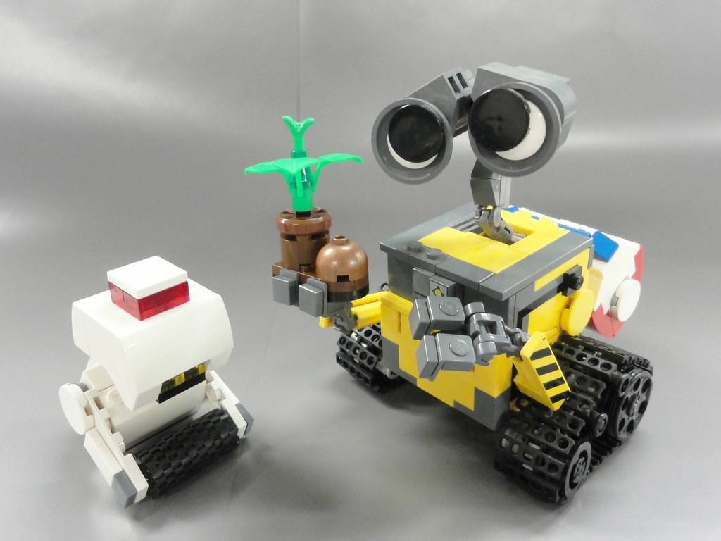 Конструкторы Лего - акции и скидки 71