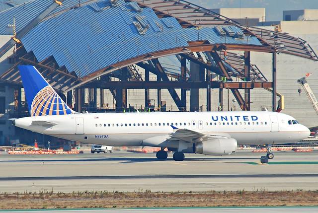 United Airlines Airbus A320-232; N467UA@LAX;10.10.2011/622eb