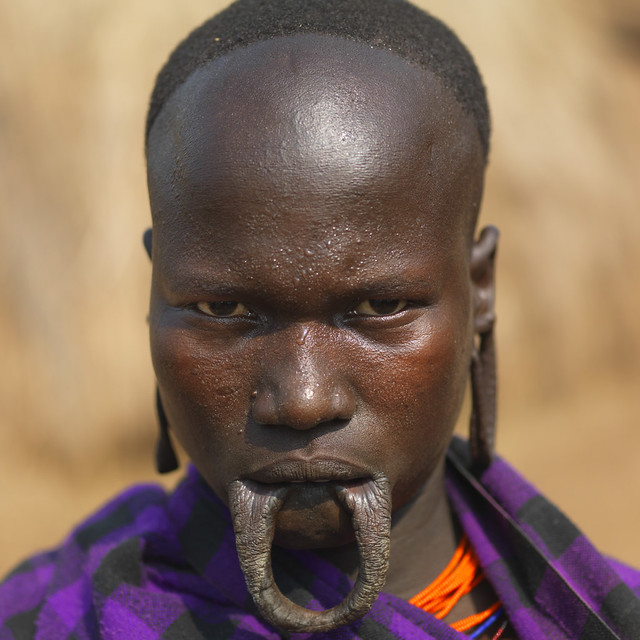 Mursi woman - Maggo Ethiopia | Mursi woman without her ...