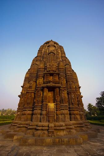 sunset india architecture temple ancient sandstone carving hindu orissa sculptures ind sigma1020mm nikond80 rajaranitemple bubhaneshwar rajrani