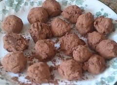 baking(0.0), produce(0.0), macaroon(0.0), cookie(0.0), edible mushroom(0.0), chocolate truffle(1.0), baked goods(1.0), cookies and crackers(1.0), food(1.0), dish(1.0), dessert(1.0), cuisine(1.0), snack food(1.0),