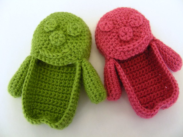 Knitting Pattern For Jelly Babies : jelly baby slippers KnitHacker