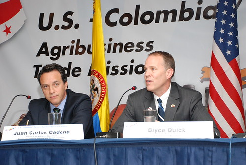 Juan Carlos Cadena (left), Colombia's Director of Economic Affairs, Ministry of Commerce, Industry and Tourism, and Bryce Quick, Associate Administrator for USDA's Foreign Agricultural Service, participate in a welcome plenary session for a USDA trade mission with Panama and Colombia, which took place in Bogota Nov. 14-17. With 24 U.S. agricultural companies participating, it was the largest delegation ever on a USDA trade mission. Photo by Fernando Soto, U.S. Embassy Bogota.
