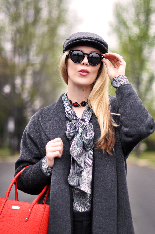 round sunglasses- newsboy cap -gray and red