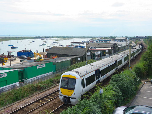 c2c Class 357 leaves Leigh-on-sea station