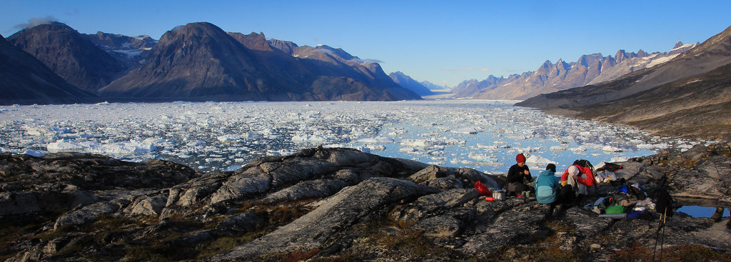 Setting up camp after a tyring day to reach the head of Sermilik fjord. East-Greenland.