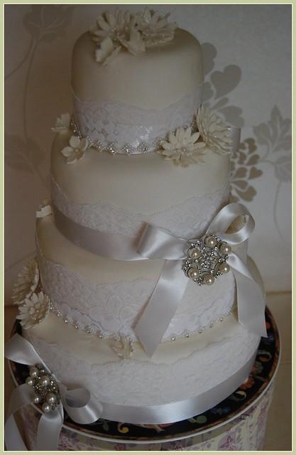 WHITE WEDDING CAKE PEARL CAKE NAME PEARL FOR THE PARK INN LEIGH LANCASHIRE