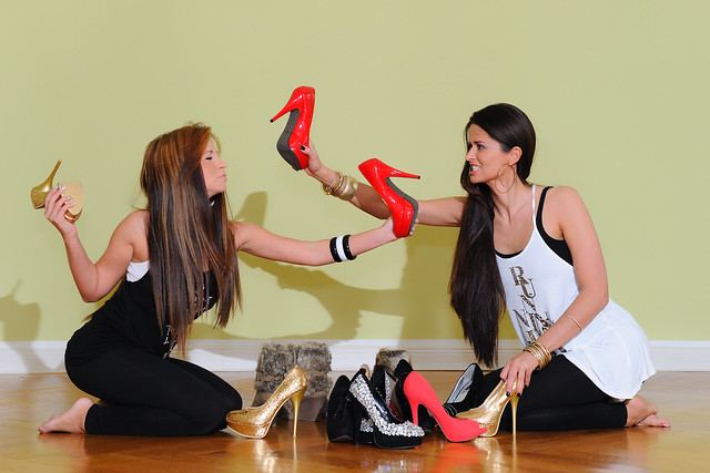 wer bekommt welche Schuhe? ;)  a1